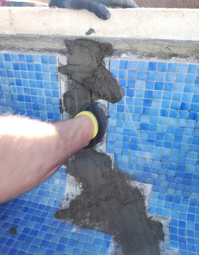 Cerrando grieta con mortero reparador