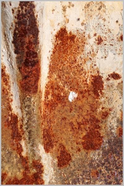 Trozo de chapa de hierro oxidado